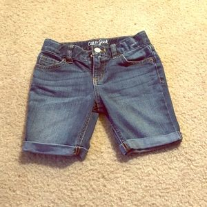Little Girl Bermuda Capris